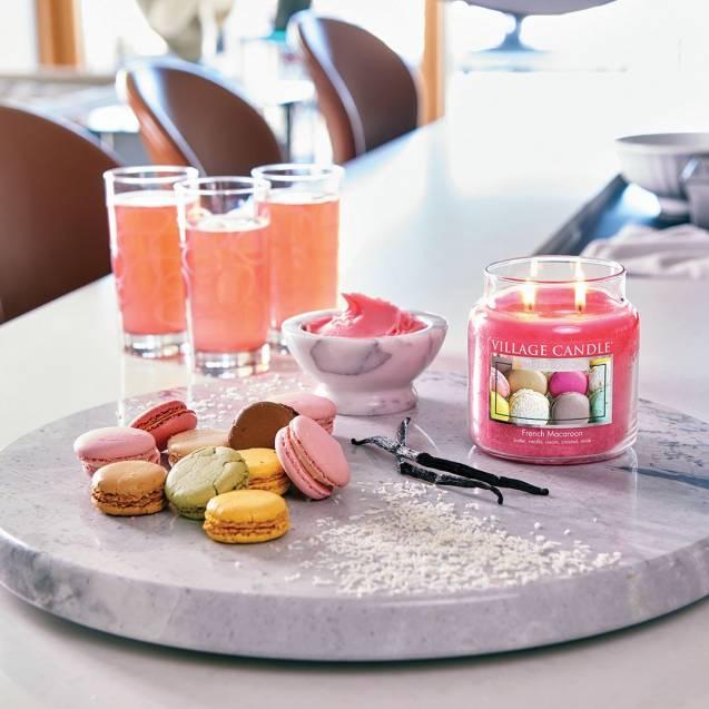 Свеча Village Candle Французский Макарон  (время горения до 25ч)